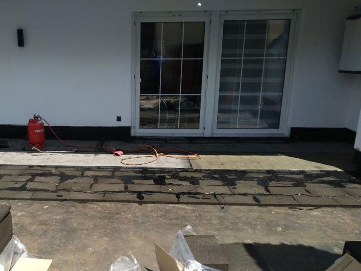Terrassenaufbau:VoranstrichFoamglas mit Heißbitumen1. Lage Abdichtung PYE PV200 DD