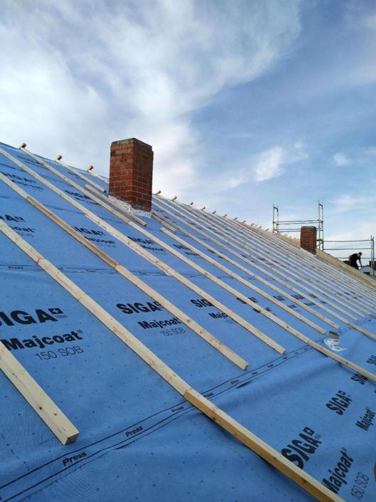 Dachfläche mit neuer Unterspannbahn